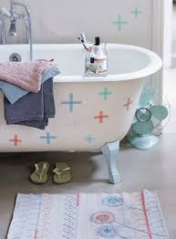 10 diy ideas to rescue a rental bathroom apartment therapy