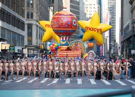 spongebob squarepants thanksgiving float back in time the 90th annual macy u0027s thanksgiving day parade