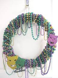 mardi gras bead wreath 146 best mardi gras bead crafts images on mardi gras