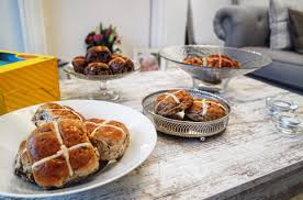 hot buns review it s not just any easter hot cross bun a review sarcasm