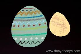 paper easter eggs 4 easy ways toddlers can help decorate paper easter eggs danya banya