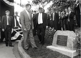 George W Bush Birth Former President Bush Visits His Milton Birthplace News The