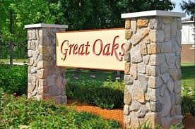2 Bedroom Apartments In Rockford Il Great Oaks Apartments 4801 Linden Road Rockford Il Rentcafé