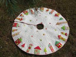 Quilted Christmas Tree Skirts To Make - 157 best christmas tree skirts and stockings images on pinterest