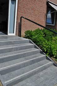 bloc marche escalier exterieur bloc marche pierre bleue antidérapante gravillon blanc dalle