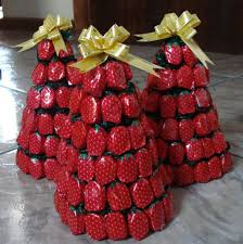 Strawberry Decorations Christmas Tree Decoration In Maritime Style From Shells And Other