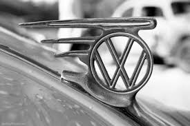 old volkswagon not volkswagen logo