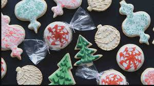 video 3 fun u0026 easy ways to decorate sugar cookies martha stewart