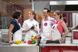 cours de cuisine atelier des chefs un cours de cuisine à l atelier des chefs à 8e wonderbox