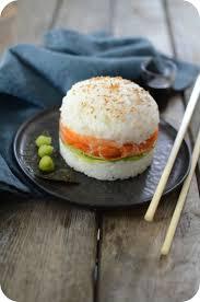 cuisine en forme de l sushi burger à la truite fumée foods burgers and tapas