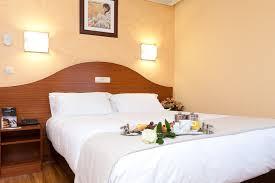 chambre familiale chambre familiale hotel ciudad de burgos burgos