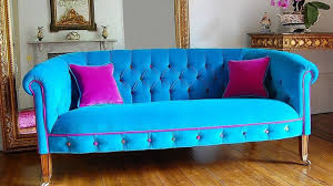 chesterfield sofa in living room colourful chesterfield sofa a trend in living room design youtube