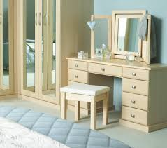 Unique Vanity Table Furniture White Wooden Dressing Table With Four Claw Legs And