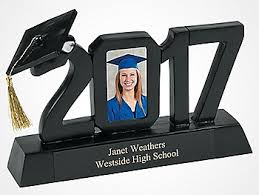 Ideas On How To Decorate Your Graduation Cap Graduation Party Ideas High Graduation Party Ideas