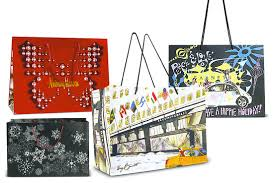 christmas shopping bags retailers lure customers with fancy shopping bags wsj