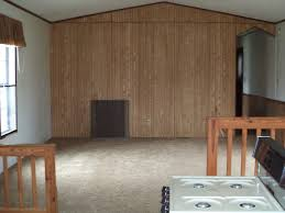 18 hickorywood drive 1989 16x70 2 bedroom 1bath with a sunken
