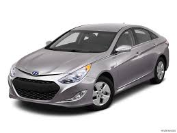 nissan sentra vs hyundai elantra 2012 hyundai sonata vs 2012 hyundai elantra which one should i