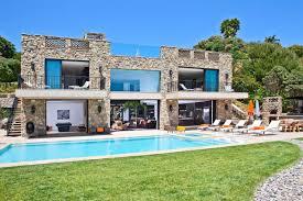 multi million dollar italian style house on malibu beach