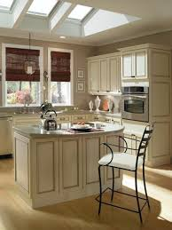 ivory kitchen cabinets what color walls ivory kitchen cabinets what color walls roselawnlutheran