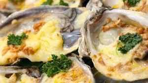 cuisiner les huitres huîtres gratinées une entrée chaude de fête recette par cuisine