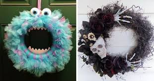 halloween wreath halloween wreaths are a thing now and they re creepily awesome
