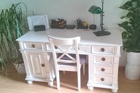 Schreibtisch Massiv Arbeiten Im Charme Des Landhauses Schreibtisch In Weiß Massiv