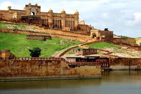 tourist places to visit during rajasthan in holidays