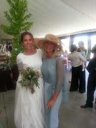 fotos vestidos de madrinas novia elena y su madre vestido isabel nuñez vestidos de madrina