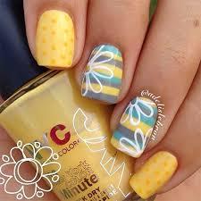 best 25 flower nails ideas on pinterest daisy nail art daisy