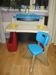 Step 2 Desk Easel Step2 Deluxe Art Master Activity Desk And Chair Childrens Home