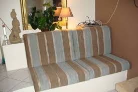 remplacer mousse canapé changer la mousse de l assise et du dossier de canapé bordeaux