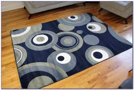 Grey And Cream Area Rug Flooring Fill Your Home With Fabulous 5x7 Area Rugs For Floor