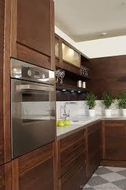 Modern Dark Wood Furniture by Best 25 Dark Wood Kitchens Ideas On Pinterest Beautiful Kitchen