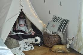 chambre bébé tendance aménager un coin cocoon dans la chambre bébé petit monde à lui