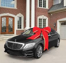 car gift bow there s an bow to put on gifts wee s