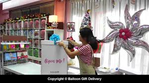 gift balloons delivery the gift balloon in box
