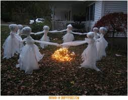 Outdoor Halloween Tombstone Decorations by Scary Halloween Decorating Ideas For Outside Halloween Tombstone