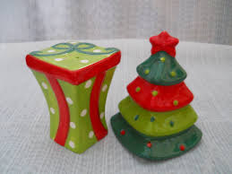 christmas tree and present salt and pepper shakers vintage