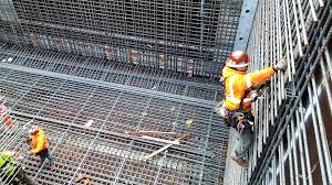Rebar Worker Setting Rebar Column Youtube