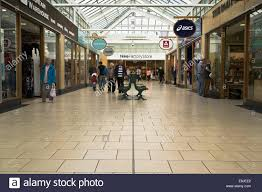 designer outlet store dh designer outlet shopping mall uk inside shopping centre
