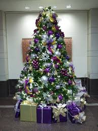 White Christmas Tree With Red And Gold Decorations Http Files Schuminweb Com Journal 2011 Full Size Purple