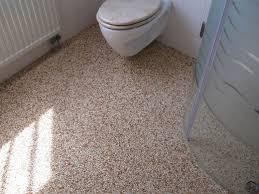 steinteppich badezimmer steinteppich fürs bad fugenloses badezimmer steinteppich