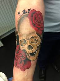 skull and roses all seeing eye lounge