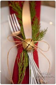 Best 25 Christmas Table Setti by Best 25 Christmas Party Table Ideas On Pinterest Christmas