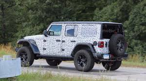 2018 jeep wrangler jl 2 door spied zf 8 speed auto and other spy video shows the new jeep wrangler in action