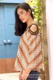 Batik Bateeq pin by de wulan on klambi batik kebaya