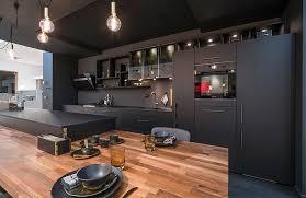 cuisine et plan de travail cuisine en bois choisir un plan de travail en bois mobalpa