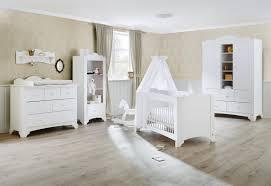 chambre bébé pinolino chambre bebe complete pino en pin pinolino inakis