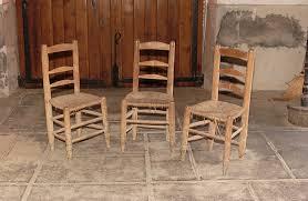 chaise d église vue des trois chaises d église bois et paille 4e quart 19e siècle