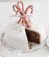 Sainsbury S Christmas Cake Decorations by Five Ingredient Christmas Cake Sainsbury U0027s